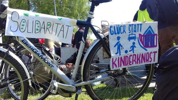 http://glueckstadtohneabschiebehaft.blogsport.eu/files/2019/05/fahrraddemo-624x351.jpg